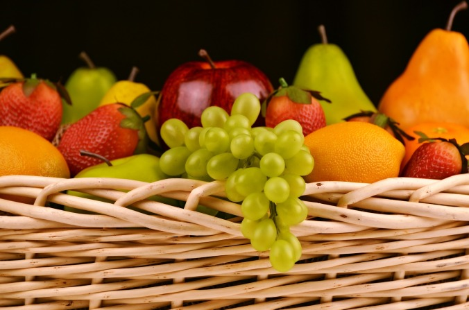 fruit-basket-1114060_1920